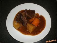 Dušené hovězí podle Z. Pohlreicha Pot Roast, Thing 1, Yummy Food, Beef, Cooking, Ethnic Recipes, Carne Asada, Meat, Kitchen