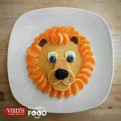 Breakfast lion pancakes.