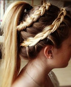 It's at times like this when I see an awesome French braid, that I wish I could French braid, I have attempted it to it just doesn't work out.