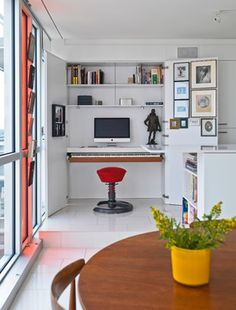 Borderless Apartment Design for Modern Living: Comfortable Redeveloper Apartment Design Interior In Home Office Decorated With White Furnitu. Closet Office, Office Nook, Home Office Decor, Home Decor, Office Furniture, Furniture Ideas, Closet Desk, Office Lounge, Office Table