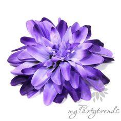 Haarblüten - hellviolette Dahlie, Ansteckblume/Haarblume - ein Designerstück von myPartytrends bei DaWanda