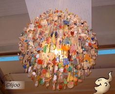 Lamp van plastic afval / Lamp of waste plastic.