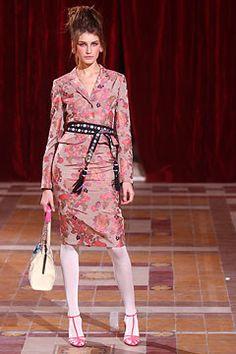 Christian Lacroix Fall 2004 Ready-to-Wear Fashion Show - Eugenia Volodina (NATHALIE)