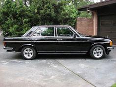 Mercedes Amg, Carros Mercedes Benz, Mercedes Black, Classic Mercedes, M Benz, Daimler Benz, Commercial Van, Car Photography, Dream Cars