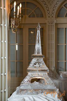 Eiffel Tower ice martini luge by Frozen Memories. Parisian Wedding Theme, Roaring 20s Wedding, Paris Wedding, Gatsby Wedding, Paris Theme, Wedding Themes, Wedding Reception, Ice Sculpture Wedding, Perfect Wedding