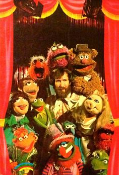Jim Henson with Muppets Sesame Street Muppets, Sesame Street Characters, Frank Oz, Fraggle Rock, The Muppet Show, Miss Piggy, Mundo Comic, Kermit The Frog, The Dark Crystal