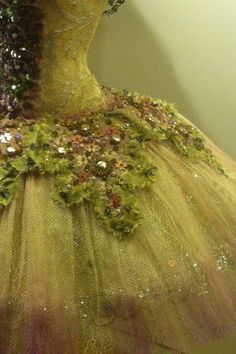Gown detail,