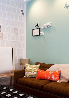 I like the color scheme- teal, white, orange and brown