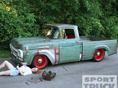 Ford F-100. Patina? Nope, that's a faux-tina fake paint job. Looks good, though.