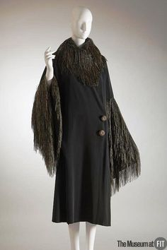 Paul Poiret - Coat in black faille and gold thread, 1908.
