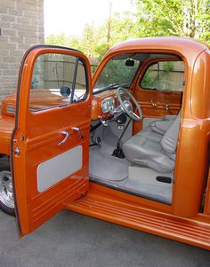 Vintage Trucks interior for 1948 ford truck 1948 Ford Truck, Ford Truck Models, Ford Trucks For Sale, Old Ford Trucks, Old Pickup Trucks, Custom Car Interior, Truck Interior, 1950s Interior, Classic Interior