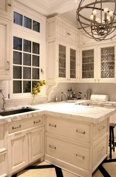 Love the light and the colors! Kitchen Lab - beautiful white kitchen design with creamy white cabinets. Kitchen And Bath, New Kitchen, Kitchen Decor, Kitchen Ideas, Narrow Kitchen, Kitchen White, Vintage Kitchen, Neutral Kitchen, Victorian Kitchen