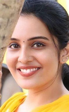 Most Beautiful Faces, Beautiful Lips, Beautiful Girl Indian, Most Beautiful Indian Actress, Cute Beauty, Beauty Full Girl, Beauty Women, Indian Natural Beauty, Indian Beauty Saree