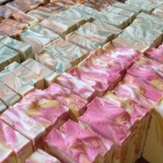 Butterfly Swirl Soap Tutorial - Soap Queen Body Tutorial, Surprise Visit, Homemade Soap Recipes, Cold Process Soap, Home Made Soap, Bath Salts, Bath Fizzies, Body Butter, Bar Soap