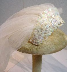 Vintage Madame Alexander Elise Wedding Veil, 1950's Headpiece Wedding, Wedding Veil, Formal Wedding, Bridal Headpieces, Wedding Dresses, Vintage Wedding Hats, Vintage Veils, Vintage Weddings, Head Pieces