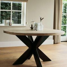 Ronde industriele tafel Norwich Round Table And Chairs, Dining Table, Dining Rooms, Interior Styling, Home And Living, Sweet Home, New Homes, House Styles, Inspiration