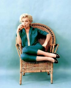 Marilyn Monroe***  Love the colors!!