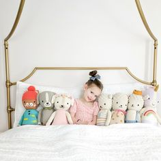 Such a fun photo idea with your child! Cuddle and Kind dolls with the cutest toddler in the middle. Toddler Girl Gifts, Toddler Boy Fashion, Toddler Dolls, Kids Fashion, Fashion 2016, Cheap Fashion, Toddler Clothing Stores, Cheap Kids Clothes Online, Boy Clothing