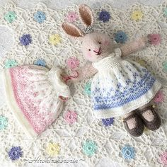 Ravelry: Project Gallery for Seasonal dresses Pattern pattern by Julie Williams Knitted Bunnies, Knitted Teddy Bear, Knitted Animals, Knitted Dolls, Amigurumi Patterns, Doll Patterns, Knitting Patterns, Knit Or Crochet, Crochet Toys