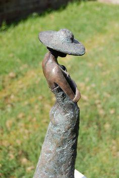 Resultado de imagen para imagenes de mujeres  estatua