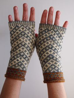 I see this board becoming an extension of my already bloated Ravelry queue. Vagabond Fingerless Mitts by Misa Erder - ravelry Crochet Mittens, Knitted Gloves, Knit Or Crochet, Fingerless Mitts, Wrist Warmers, Fair Isle Knitting, How To Purl Knit, Sock Yarn, Knitting Accessories