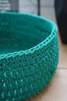 Corbeille en crochet - Kesi'Art - le Blog Chat Crochet, Crochet Diy, Bride Crochet, Diy Laine, Tatting, Exactement, Creative, Blog, Marie