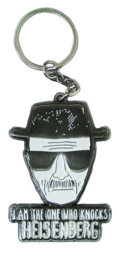 Llavero metálico Heisenberg. Breaking Bad Estupendo llavero 100% oficial y licenciado para tus llaves fabricado en metal con la imagen del personaje de Walter White, apodado Heisenberg y protagonista de la exitosa serie de TV Breaking Bad.