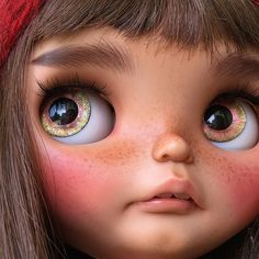 She's like a new girl. #tiinacustom #customblythe