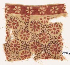 Textile fragment with rosettes and linked quatrefoilsfront