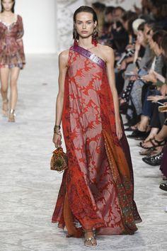 "amazing-vs-angels: ""Birgit Kos walks the runway at the Etro Spring Summer 2018 fashion show during Milan Fashion Week on September 2017 in Milan, Italy. Fashion 2018, Fashion Week, Runway Fashion, Boho Fashion, Fashion Dresses, Fashion Design, Milan Fashion, Spring Summer 2018, Spring Summer Fashion"