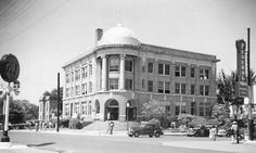 The old court house before they  tore it down .