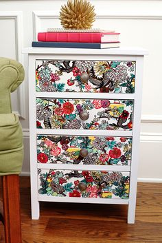 Upcycle old furniture using Painters paint markers! Give boring furniture a pop of color with easy to use acrylic paint markers. #homedecor #DIY