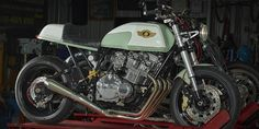 1981 Suzuki GSX750 cafe racer by SDG Moto Custom & Cafe. Old meets new in a timeless blend of 50s, 80s and modern styles.