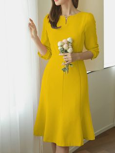 Spring Elegant Dresses has never been so Top! Since the beginning of the year many girls were looking for our Lovely guide and it is finally got released. Now It Is Time To Take Action! Simple Dresses, Elegant Dresses, Pretty Dresses, Beautiful Dresses, Casual Dresses, Summer Dresses, Dresses Dresses, Dance Dresses, Dresses Online