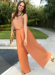 In love with this Pleated Palazzo Pants from Forever 21! Outfit by Ashlee Vernon on Blogspot