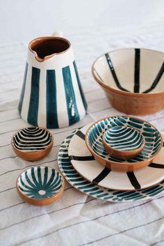 Cool #illustrations #art #designinspiration #patterns #patternideas #design Ceramic Clay, Ceramic Painting, Ceramic Plates, Ceramic Pottery, Pottery Art, Ceramics Pottery Mugs, Painted Ceramics, Slab Pottery, Ceramic Decor