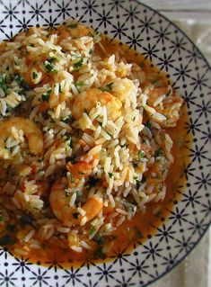 Do you like shrimp and want to prepare a simple recipe? Combine the shrimp with the rice and make this an easy but at the same time delicious. Cod Fish Recipes, Rice Recipes, Cooking Recipes, Shrimp Dishes, Rice Dishes, Portuguese Recipes, Portuguese Food, Seafood Rice Recipe, Shrimp And Rice