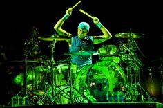 Chad Smith during the RHCP Concert at the Air Canada Centre in Toronto on April 2012 How To Play Drums, Learn To Play Guitar, Air Canada Centre, Pearl Drums, Drum Music, Hottest Chili Pepper, Music Pics, Drum Kits, Playing Guitar