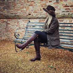 The The Regina (Mahogany Leather) - Leather Boot is the perfect country boot for any rural or city style. Available with interchangeable tassels Tall Boots, Suede Boots, Knee High Boots, Leather Boots, Leather Jacket, Country Boots, Country Outfits, British Country Style, Riding Boot Outfits