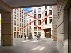 Felice Varini, Quatre triangles pour deux fenêtres, 2012