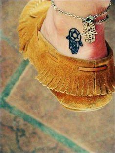 Cute Small Tattoo Designs for girl feet (10)
