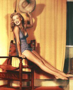 vintage-retro:    Marilyn Monroe, 1940's