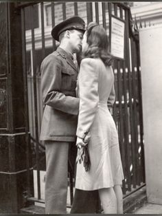 vintage everyday: True Romance – Vintage Photos Capture The Heartache of Wartime Farewells at The Pennsylvania Station, New York City in April 1943