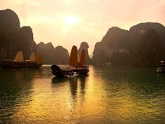 Halong Bay, Vietnam - 20 Sights That Will Remind You How Amazing Earth Is