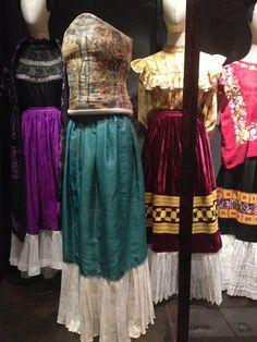 Resultado de imagen para el guardarropa de frida kahlo