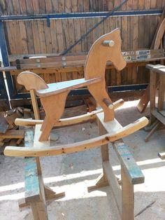סדנת סוס עץ  סטודיו במושב בית זית  http://www.wood-lift.com/#!---/c1c68