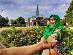Lets climbing, dear Tower Bridge, London - 15th August, 2015