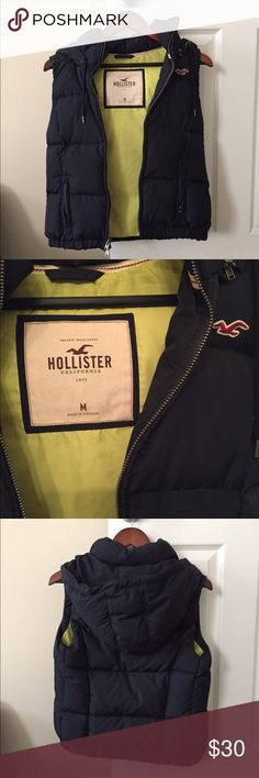 Hollister Puffer Vest - Navy In Excellent Condition!!!! Only worn a few times!!! (Size:M) Detachable Hood!!! (Color:Navy) Has Pockets. 🚫No Trade🚫 No Modeling Hollister Jackets & Coats Puffers