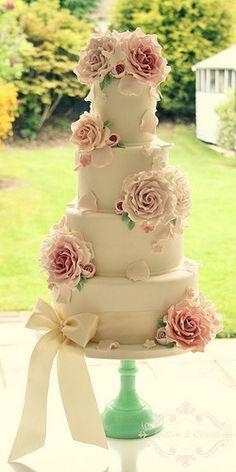 Roses and petals wedding cake | Flickr - Photo Sharing!