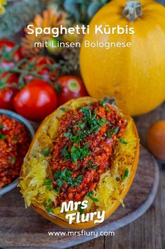 Gebackener Spaghetti-Kürbis mit Linsen Bolognese gesund Bolognese, Pasta Alternative, Vegetarian Recipes, Pumpkin, Lunch, Vegetables, Cooking, Healthy, Thanksgiving Outfit